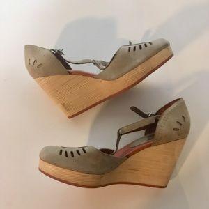 Last Brand Wooden T Strap Heel